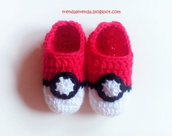 CHILD. Slipers of crochet pokéball from Pokémon Go. Of boy and girl crochet, slippers socks Pokemon, Pokemon crochet slippers