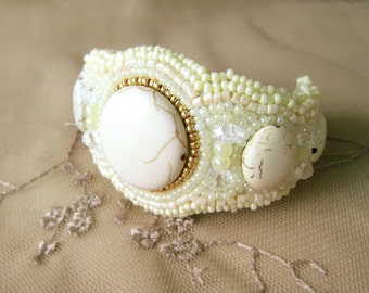 "Handmade bracelet ""Cream"". Czech beads embroidered bracelet. Gold, cream and ivory. Bracelet for a special event or wedding."
