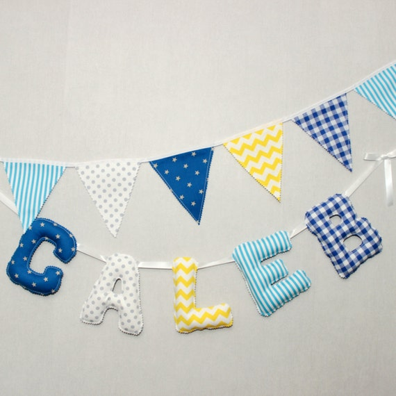Guirlande pr nom b b personnalis e bleu gris jaune for Guirlande tissu chambre bebe