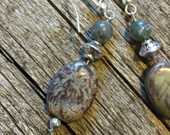 Agate Healing Earrings  Harmony Serenity Abundance  Inner Strength