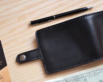 Bifold Wallet in Horween Black Horse Chromexcel Leather. With 6 card slots