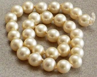 Genuine Natural Vintage Real Pearls Ivory Cream Gemstone 8mm 32 Pcs