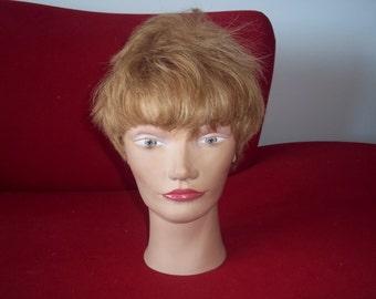 BRITNEY VINTAGE MANNEQUIN ...head...short blonde human hair..
