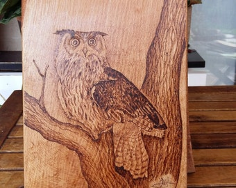 Eagle owl, woodburning art on chopping board, beech wood. Beautiful hand made unique piece