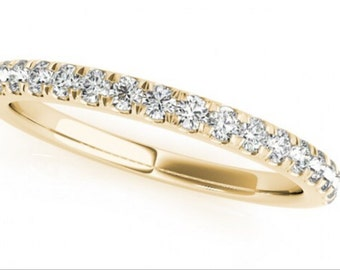 0.19ct Traditional Bridal 14k Yellow Gold Wedding Band with Diamonds
