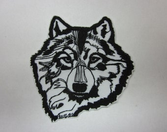 White Wolf Beautiful Magestic Preditor Iron or Sew On Patch