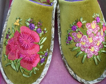 Unique design handmade silk and velvet embroidered slippers, man & woman gift - Gold 'n Flowers