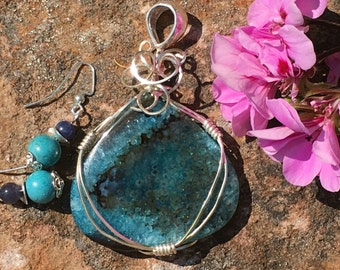 Frizzling Turquoise wire wrapped pendant