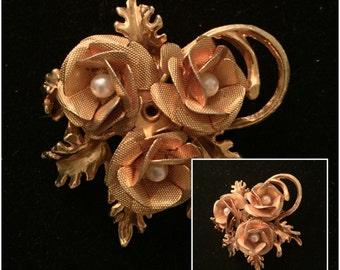 Vintage Goldtone Flower Brooch with pearls