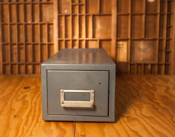 Kleiderstander Weis Metall ~ Vintage globe weis metal single drawer index card cabinet gray