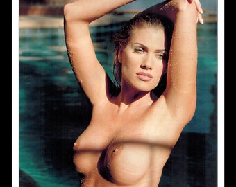 "Mature Celebrity Nude Supermodel : Elizabeth Nottoli Single Page Photo Wall Art Decor 8.5"" x 11"""