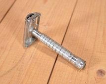 Vintage razor man Vintage shaver Silver type razor slim Double edge razor 60s Slim twist safety razor Traditional wet shaving Twist to open