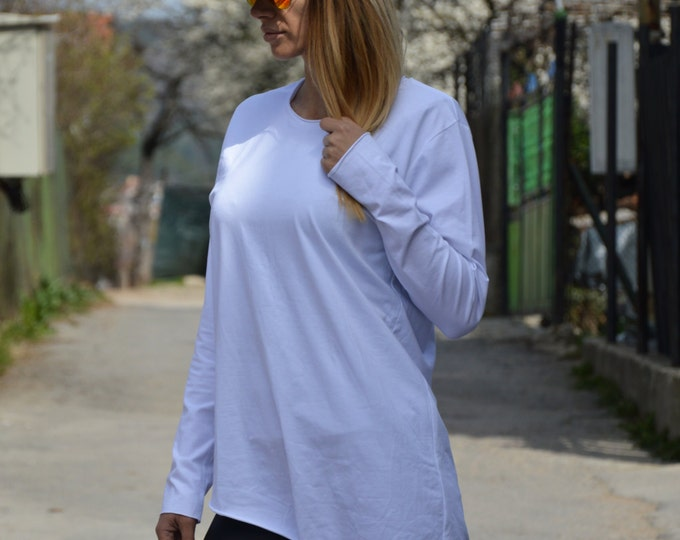 Loose Casual Blouse With Zipper, Long Sleeves White Top, Asymmetric Sexy Extravagant Blouse by SSDfashion