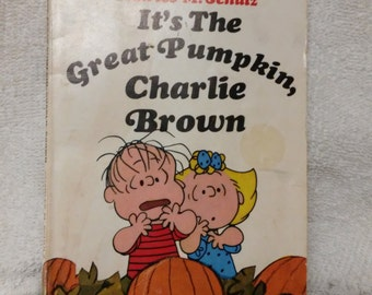 It's the Great Pumpkin Charlie Brown Book