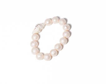 Chunky stretch bracelet with sea shell accent PINK