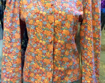 1990's narrowed waist tiny floral blouse. Size S.