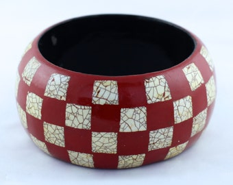 Black or Red Eggshell Checkered Lacquer Bracelet