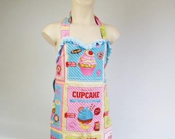 Handmade girls apron, sweetheart neckline, cute cupcake print, junior chef, pretend play kitchen