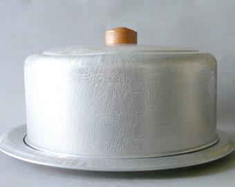 Vintage Aluminum West Bend Cake Keeper/Carrier
