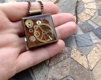 Resin and brass necklace