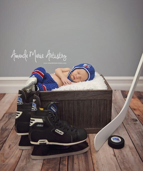 Baby Boy Hockey set helmet Ice Skates and pants NHL