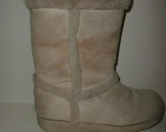 Vintage Retro 70's Beige fur lined boots size 8 1/2