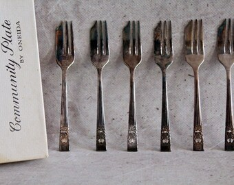 Vintage forks, set of six forks, silver plated forks, Community Plate by Oneida, made in Britain, dessert forks, retro home decor