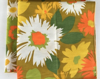 Set of 2 - Mid Century Napkins - Modern - Orange - Yellow - Green - Flower Child Napkins