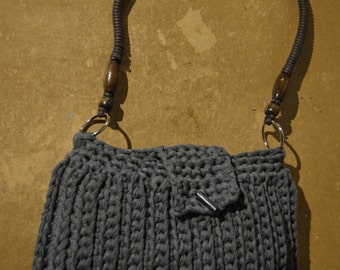grey bag dark ribbon