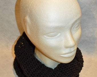 snood in cotton and acrylic made hands