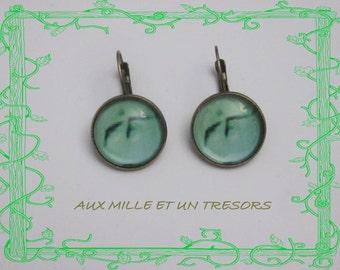 Earrings green cabochon
