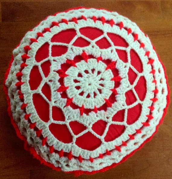 Vintage Crochet Red & White Round Decorative Throw Pillow