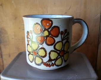 Vintage Coffee Mug/ Vintage Coffee Cup/ Vintage Ceramic Mug/ Vintage Floral Mug/ Floral Coffee Mug/ Floral Coffee Cup/ Retro Floral Mug/ Mug