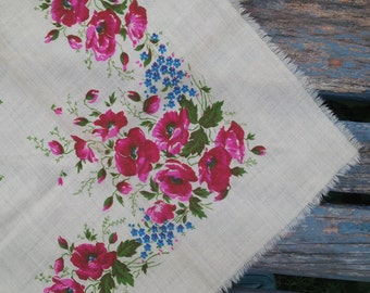 Beautiful scarf with poppies, russian wool shawl, 100% wool shawl, pure wool shawl, vintage