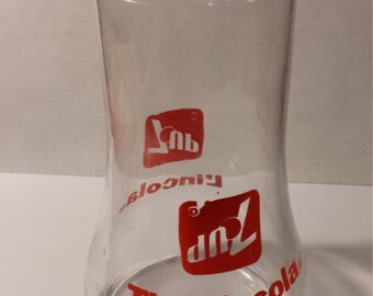 Bilingual  7 UP The Uncola/ l'incola drinking glass, upside down, Rare, Novelty, Advertising, English/French, circa 1975, Canadian