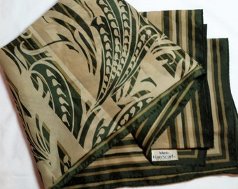 Vintage 1978 Totes Polyester Rain Scarf Art Nouveau shades of green, water repellent