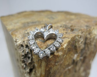 diamond heart pendant white gold