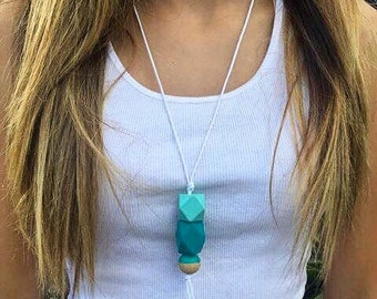 Wooden bead necklace // turquiose and aqua // hand painted