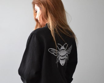 Single bee-  embroidered bee jersey bomber jacket