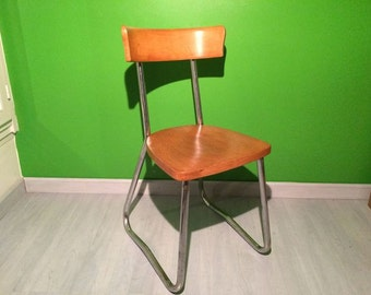 Luterma recycled chair on chrome legs shaped sled