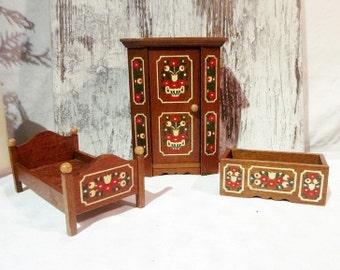 Miniatur Schlafzimmer für Puppen,Puppenmöbel - Puppenhaus Möbel, rustikal, Bauernmalerei german