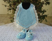 Crochet baby set turquoise, valencienne lace, sheer ribbon, satin flowers, crochet baby bib set, made in Italy. OOAK Art. 39
