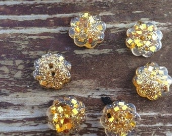 2 cm buttons, sparkly buttons, gold buttons, unusual buttons, cute buttons, beaux boutons, boutons d'orés