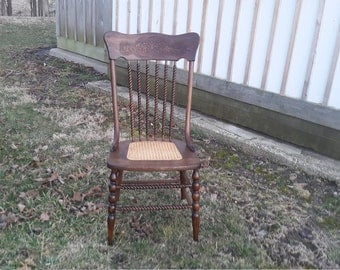 BEAUTIFUL old oak dining chair