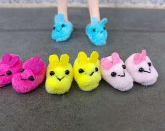 Plush bunny slippers for Blythe