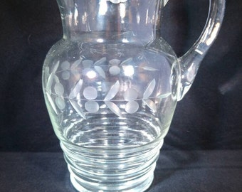 Jug with etched pattern