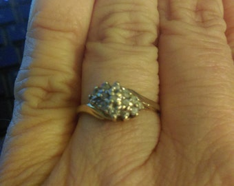 Diamond Cluster Ring 10K Gold real diamonds