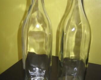 Vintage 2 bottles of oil / Vintage 2 bottles of oil
