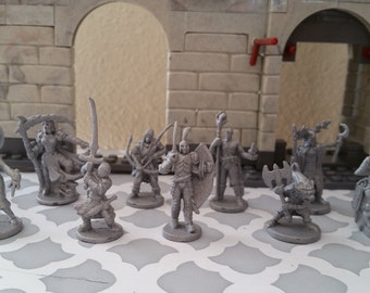 10 pc Dungeons and Dragons Miniatures Hand painted 1/72 scale D & D Fantasy Role Play Games RPG