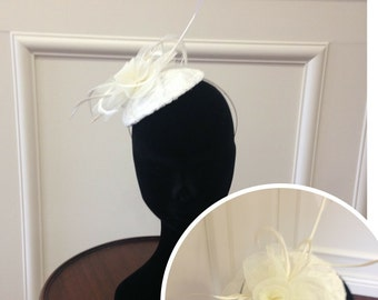 Ivory bridal fascinator, bridal headwear, cream headpiece, vintage fascinator, lace floral headpiece, cream floral hat, mother of the bride